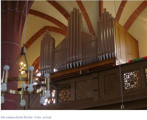hand klaviatur der orgel